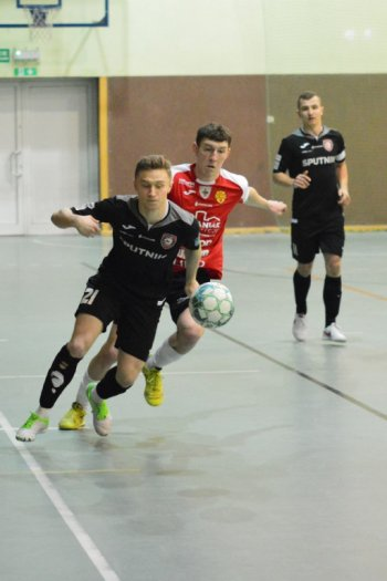 Red Devils - Red Dragons 2:3-4004